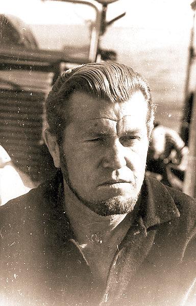 Анатолий Устинов