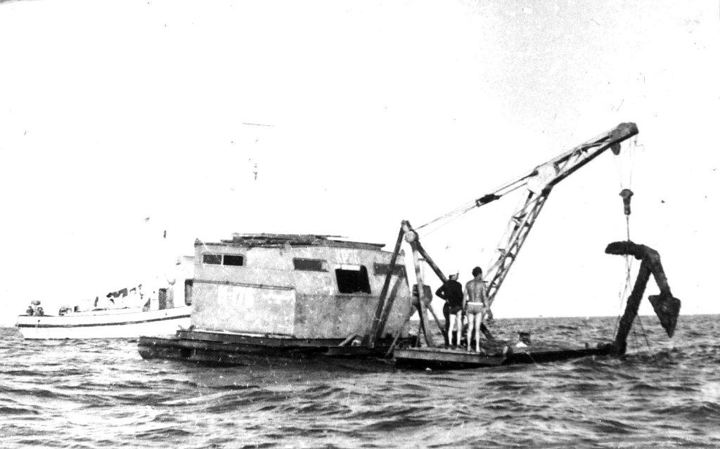 Подъем якоря фрегата