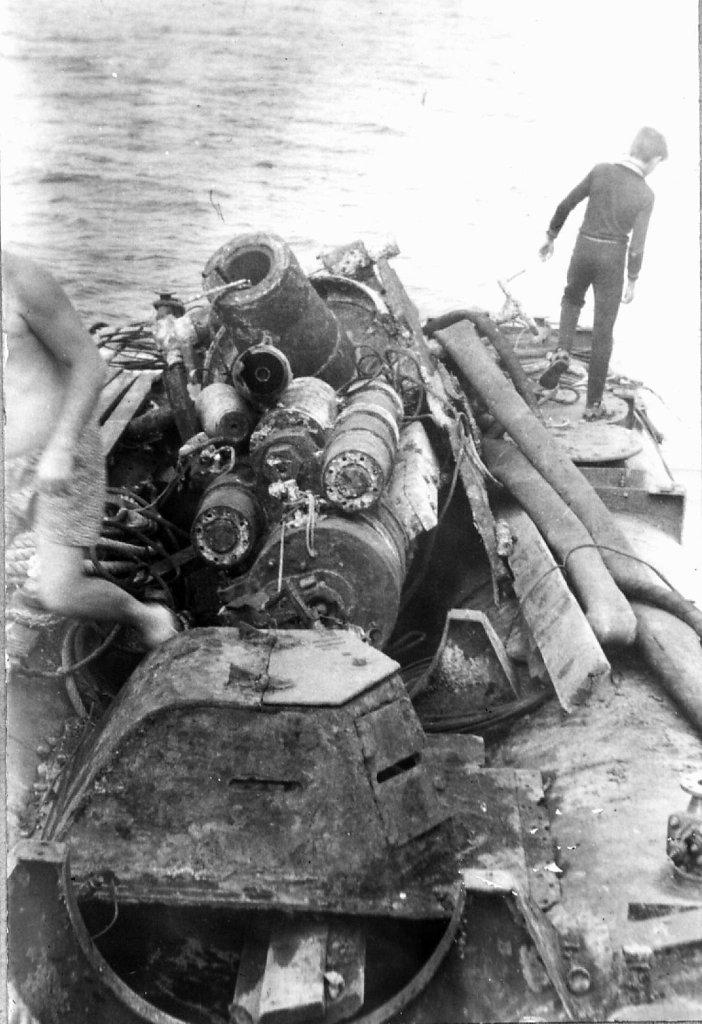 Бронебашня с башни орудия главного калибра «Ударного»