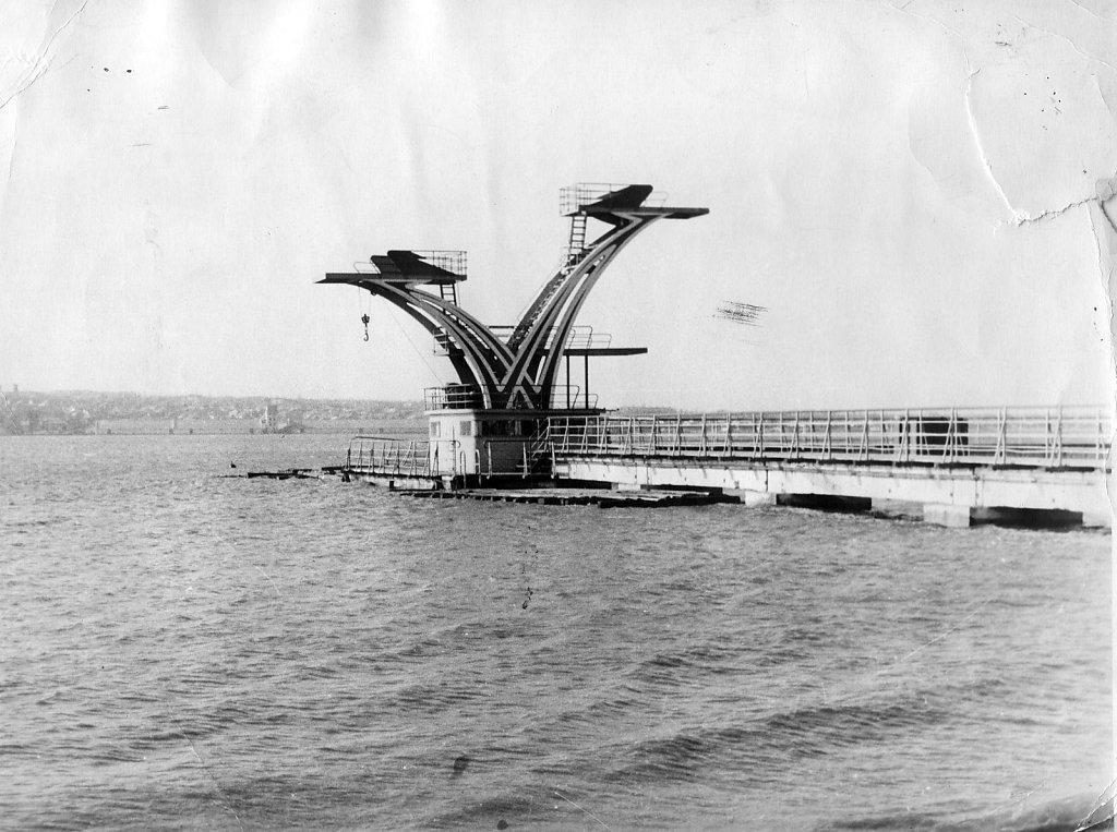 Вышки для прыжков воду в яхт-клубе Николаева