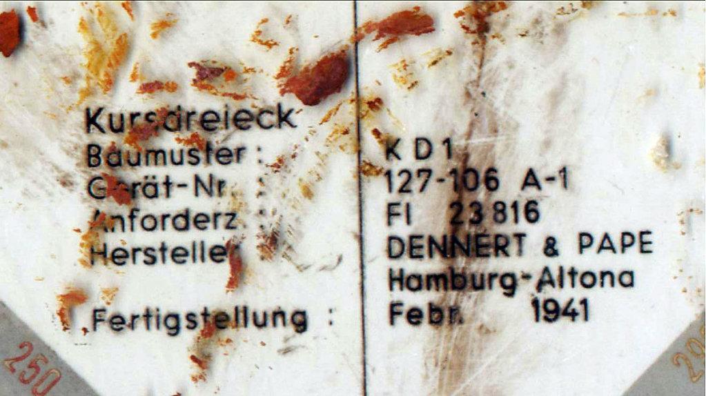 Надпись на штурманском треугольнике из планшета пилота Ju-52