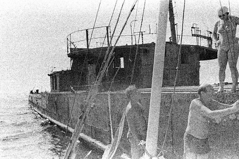 Эсминец БОЙКИЙ в Егорлыцком заливе #3