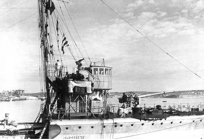 ЭМ ФРУНЗЕ на стоянке в Севастополе, 1930 г.