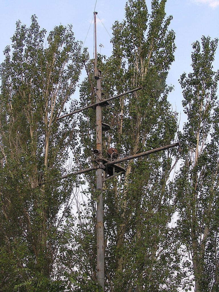 Фок-мачта ЭМ БОЙКИЙ на территории Морской школы ДОСААФ в Николаском яхт-клубе #4