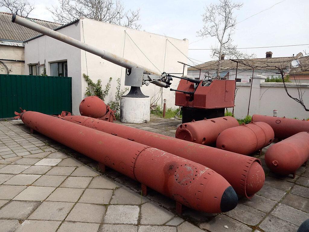 102-мм орудие главного калибра ЭМ ФРУНЗЕ в Очаковском историческом музее им. Суворова #7