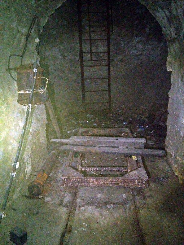 У входа в Артезианский колодец №2 #1