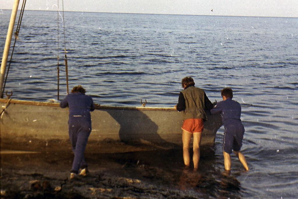 Подготовка ЯЛ-6 к выходу в море