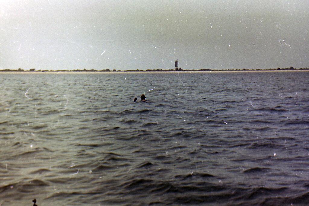 Ныряльщик на фоне Тендровской косы